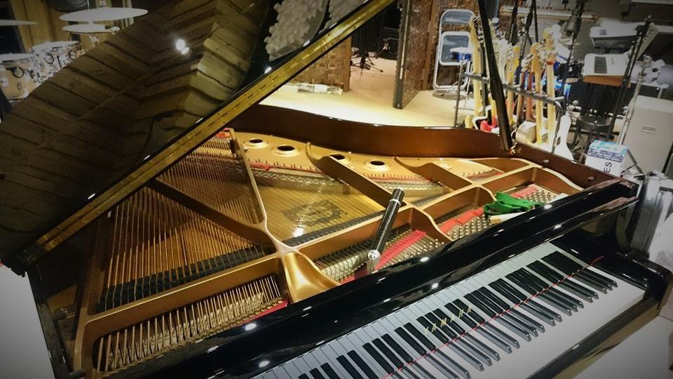 錄音室鋼琴調音師 b